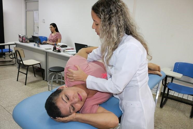 Curso de fisioterapia da Unifap oferece atendimento gratuito para mulheres que tiveram câncer de mama