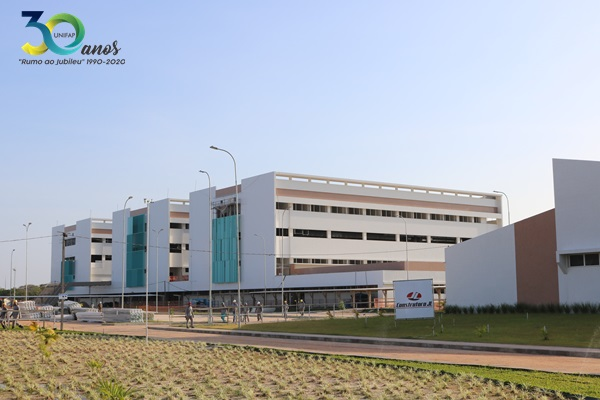 Obras do Hospital Universitário seguem avançadas, confira fotos