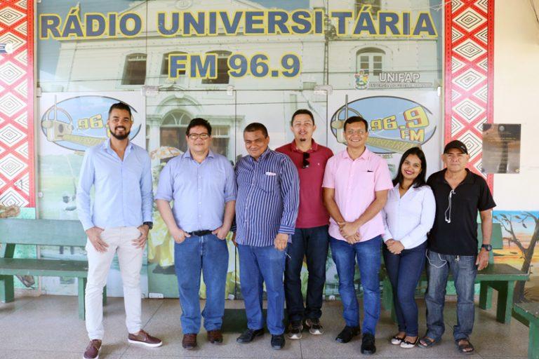 Diretoria apresenta novos projetos da TV e Rádio Universitária
