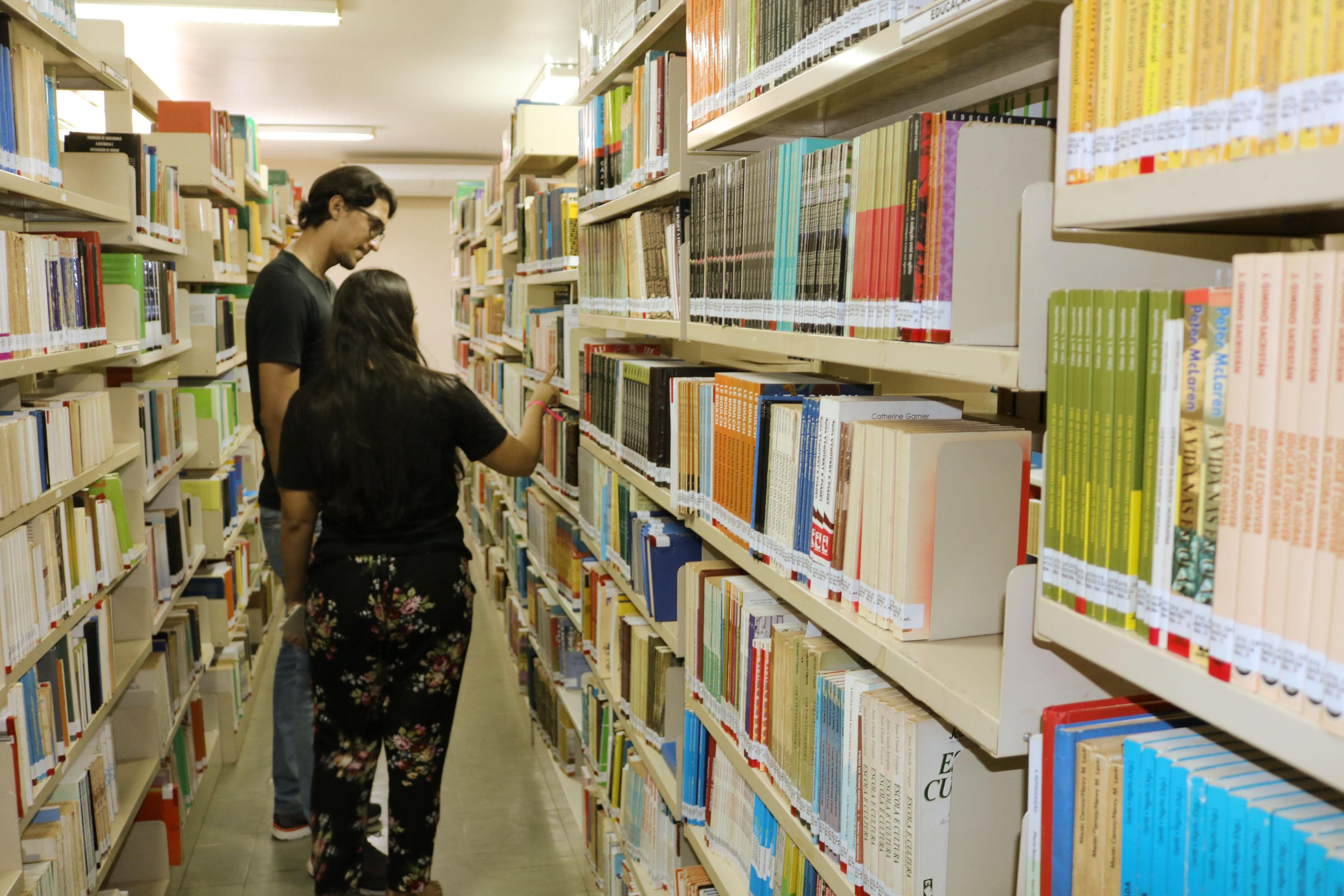 UNIFAP organiza programação em alusão ao Dia Nacional do Bibliotecário