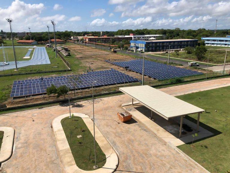 UNIFAP inicia implantação de painéis fotovoltaicos para produção de energia solar