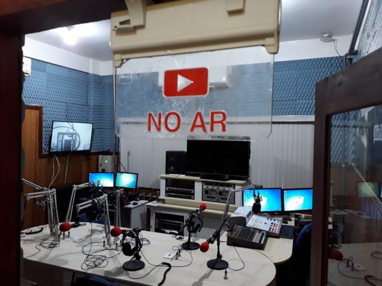Rádio Universitária 96.9 FM retorna com transmissão provisória.